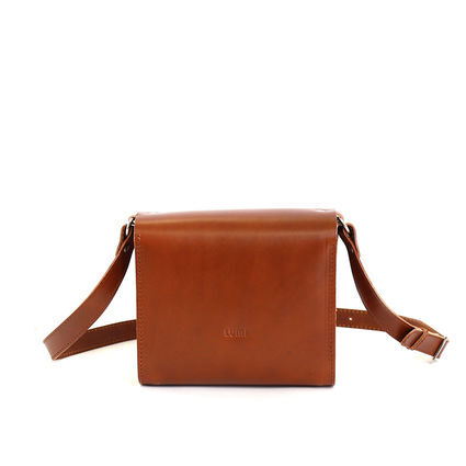 Simple, unpretentious design that features all-natural, vegetable-tanned  leather.