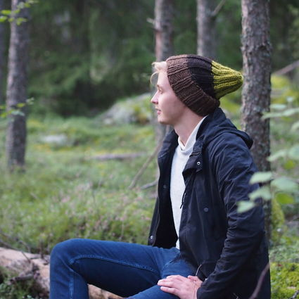 Naturally dyed beanie, In the Woods - Mänty