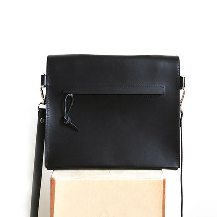 Paper shoulder bag