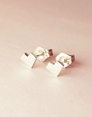 MOSH Jewelry - Teeny tiny hearts earrings