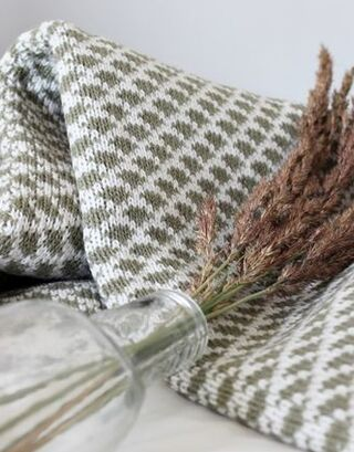 Olive green-white Drops Blanket