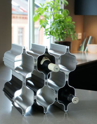 Hex winerack in silver and black