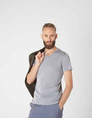 V-neck T-shirt in merino